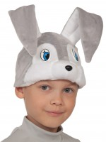 Зайчик серый шапочка