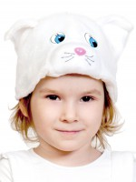 Кошечка белая шапочка